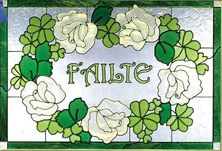 This Irish Welcome Stained Glass Panel by Silver Creek Industries has FAILTE, the Gaelic word for Welcome, hand painted on the glass panel. Shamrocks border the panel ♥