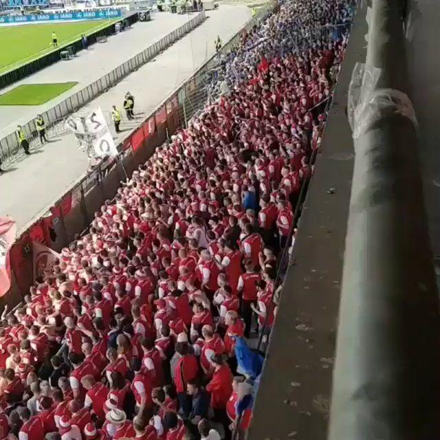 Spiel Karlsruhe 2 3 Chemie Halle Liga 3 Bundesliga Spieltag 38 Zuschauer 15 369 Gaste 2 200 Foto Fuckdfb Choreographie Choreo Fans Ultras