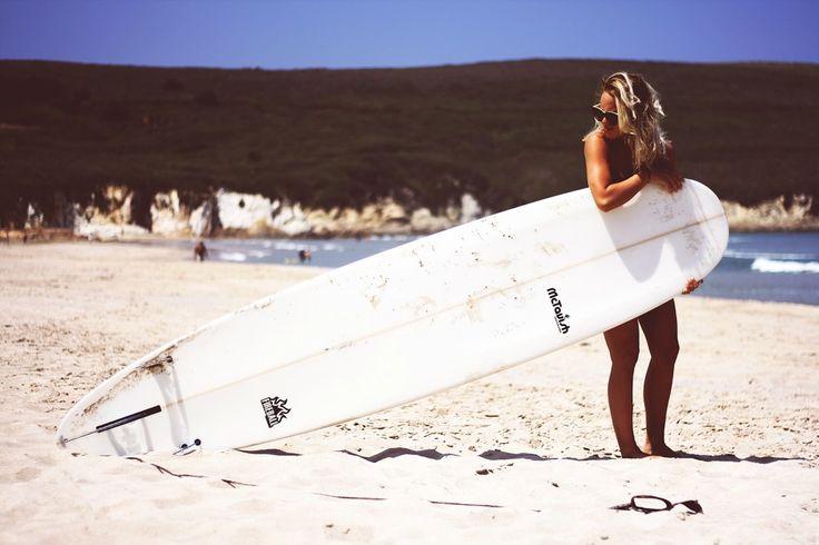 Angelica Blick surfing galicia