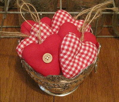 Little gingham hearts.