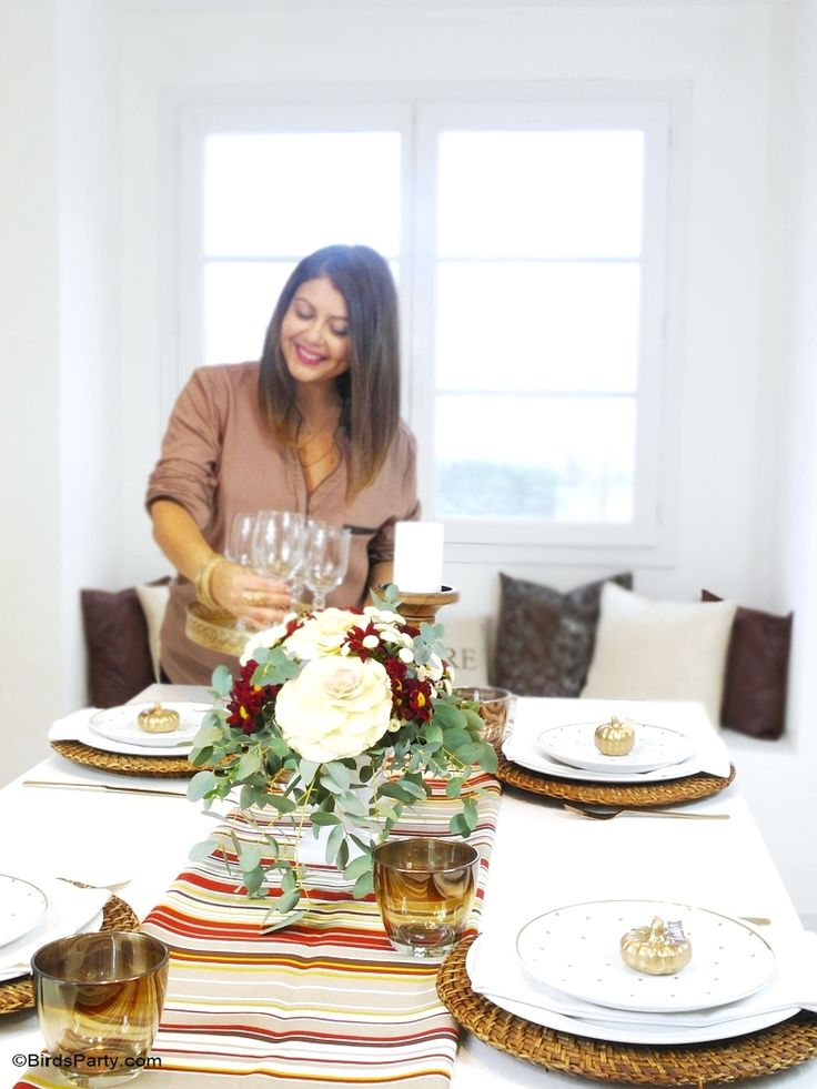 Thanksgiving Tablescape and easy party ideas with DIY decorations, centerpiece and printables | BirdsParty.com @birdsparty