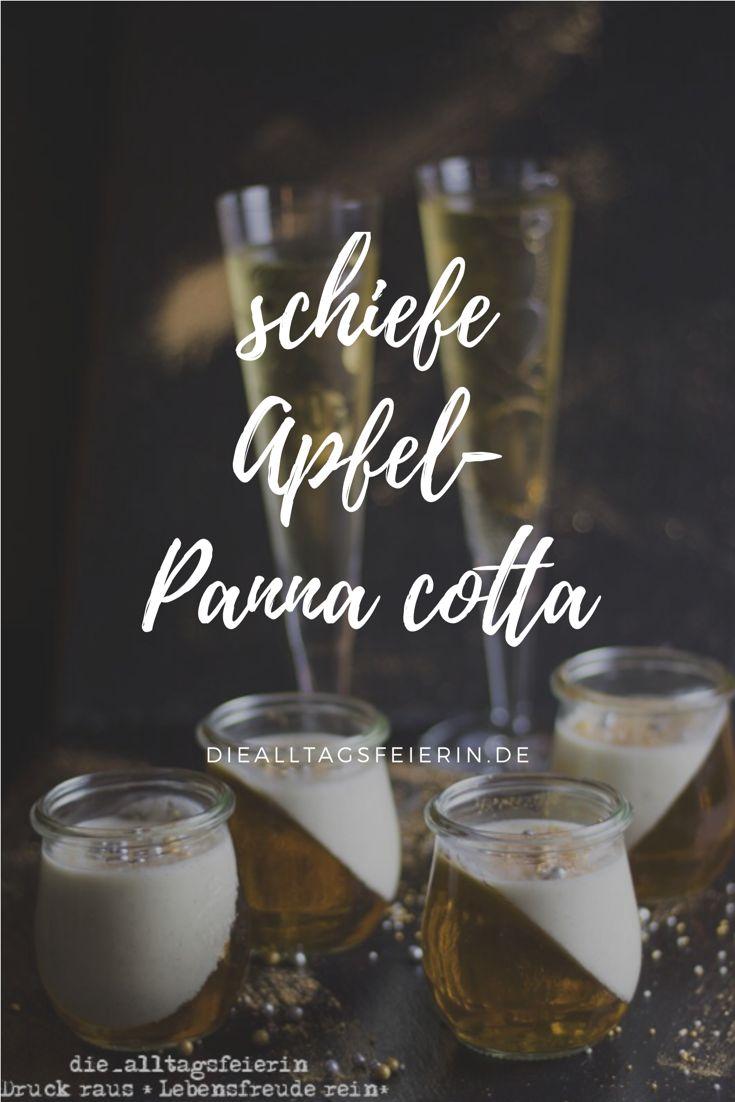 Schiefe Panna cotta, easy peasy mit ganz viel Glitzer, Silvester, Dessert, Nachtisch mit Apfelgelee. #silvester #dessert