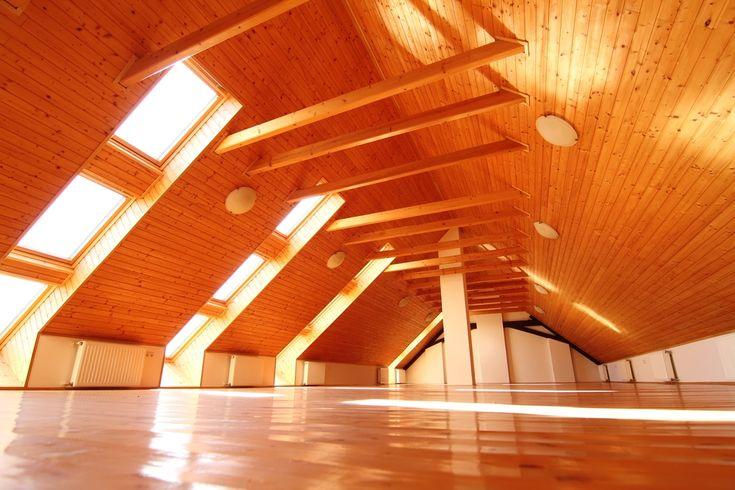 Планировка мансарды: учитываем конструкторские особенности крыши  Мансарда — жилое пространство, которое может быть стильным, практичным, выполнять любые заданные функции. Какие факторы влияют на дизайн и что нужно учесть?  #АрхСтройПроект #archproekt #Архитектурная #Мастерская #Москва #Россия #Архитектура #Ландшафт #Дизайн #Интерьер #Interior #Architecture  #ЗагородныйДом #Домподключ #Строим #Дом #фасад #благоустройство #жилойдом #Проектыдомов #Проект  #мансарда #Планировкамансарды