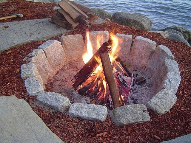 Building a Fire Pit: An Outdoor Fire Pit is a Great Backyard Accessory for Enjoying the Evening with Friends