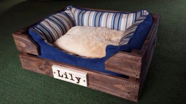 Hundebetten aus Holz katzen sofas haustiere streifen blau