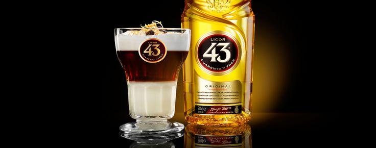 Als je fan bent van koffielikeuren dan ben je zeker gek op deze Asiatico 43, geïnspireerd op het Verre Oosten. Serveer deze cocktail tijdens een relaxte maaltijd met vrienden of trakteer jezelf na een lange werkweek.