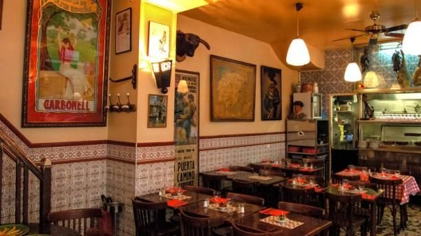Caves Saint Gilles - Restaurant Tapas paris - Spanish Restaurant Paris