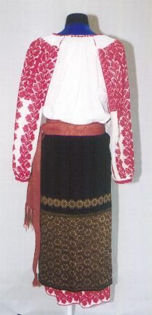 Women's costume from county of Argeş, Muscel