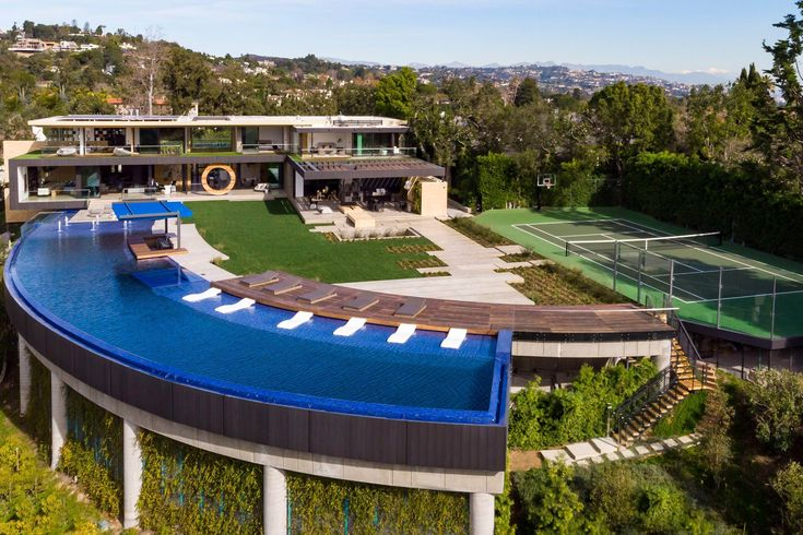 281 BENTLEY Circle: a luxury home for sale in Los Angeles ...