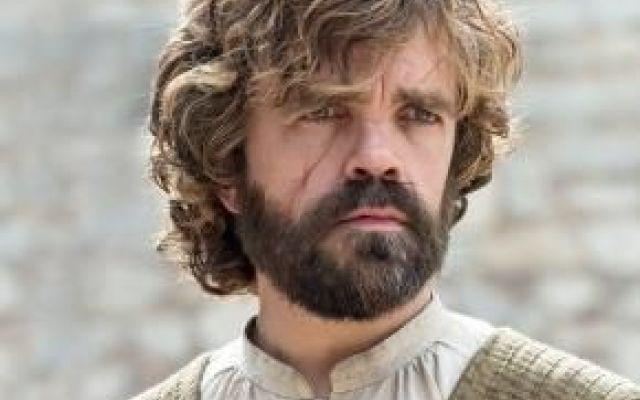 Il Trono di Spade: Tyrion è un Lannister o un Targaryen? Tra le molte teorie, diffuse in rete, su Il Trono di Spade, una  molto probabile riguarda Tyrion Lannister, uno dei personaggi più popolari ed amati della serie e dei libri. Vediamo cosa dice #iltronodispade #serietv