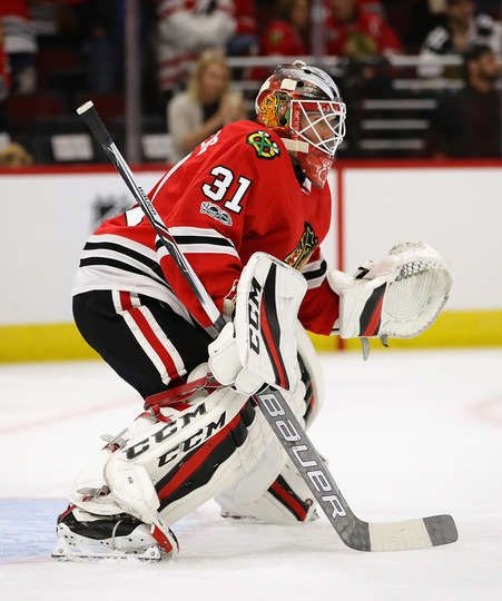 CHICAGO, IL - OCTOBER 05: Anton Forsberg #31 of the Chicago Blackhawks participates in warm-ups before the season opening game against the Pittsburgh Penguins at the United Center on October 5, 2017 in Chicago, Illinois. (Photo by Jonathan Daniel/Getty Images)