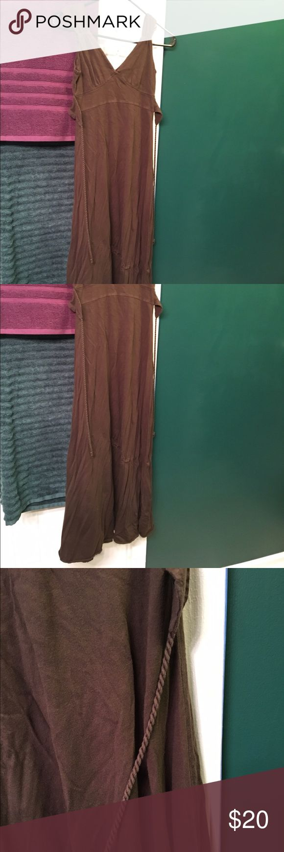 Sleeveless brown maxi dress Tie back for ideal fit Dresses Maxi