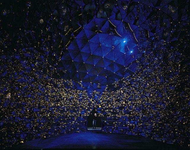 *swarovski crystal worlds - http://www.fubiz.net/2012/12/07/swarovski-crystal-worlds/