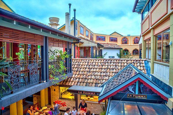 Beautiful Italian Atmosphere!  Ettalong Markets at Ettalong Beach. NSW http://www.ettalongmarkets.com.au/gallery