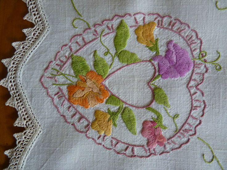 Sweetpeas & жених и невеста ручной вышивкой столик центр по лен винтаж | eBay