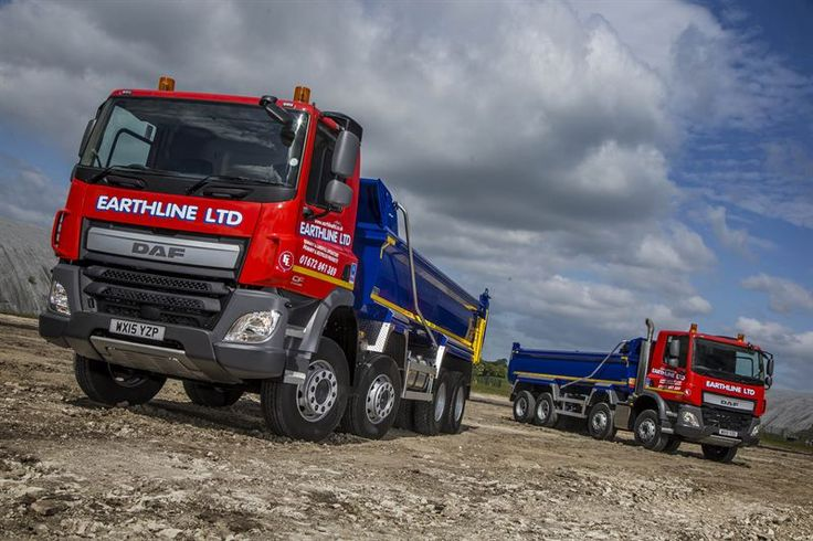 Dealer support secures four new DAF eight-wheelers for Earthline | DAF Dealer Network