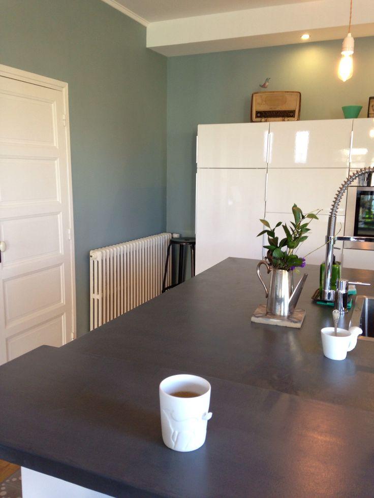 Cuisine ikea + mur bleu peinture Ressource / chez Barnabé aime le café