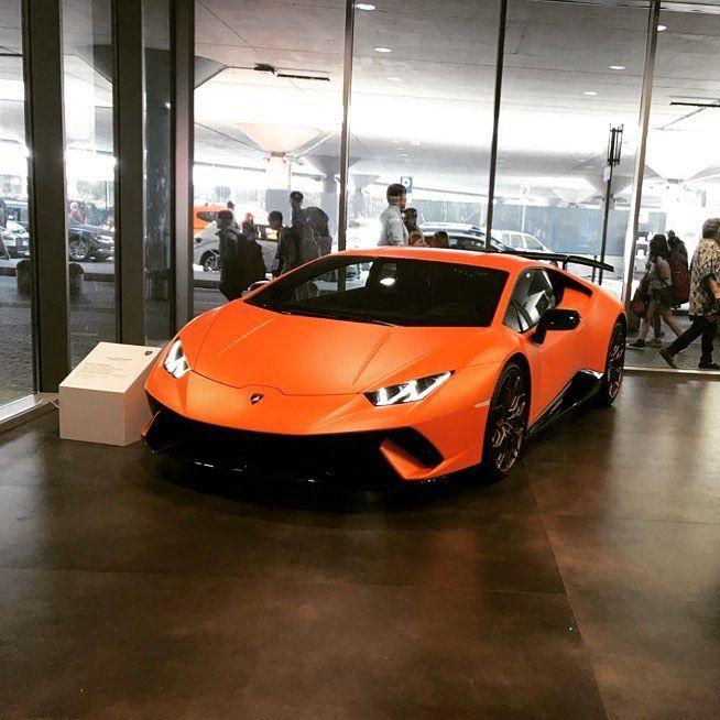 Lamborghini Unico Vero Amore Lamborghini Huracan Performante