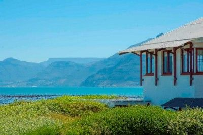 "Western Cape, Southern Peninsula, Kommetjie property. ""The Beach Barn"" - Live The Dream!"