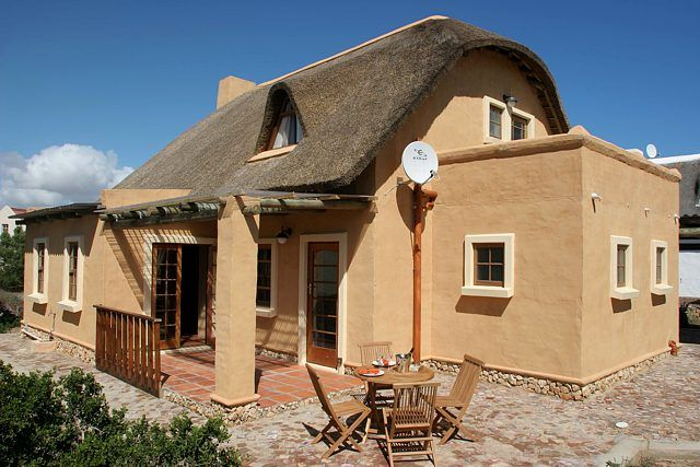 Sea Mist Honeymoon Cottage nestles within the Fransmanshoek Conservancy Boggoms Bay Sleeps 3