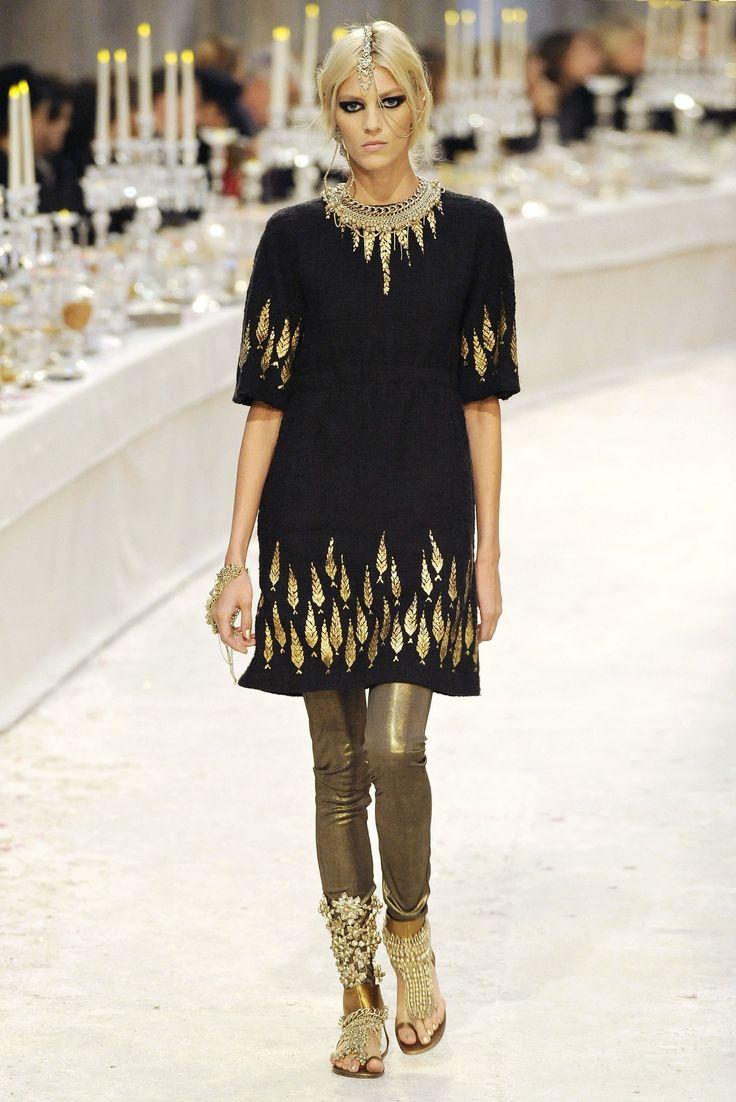 .: Women Fashion, Chanel Prefall, Paris Bombay, Chanel Pre Fal, Parisbombay Resorts, Prefall 20122013, Chanel Parisbombay, Anja Rubik, Parise Bombay