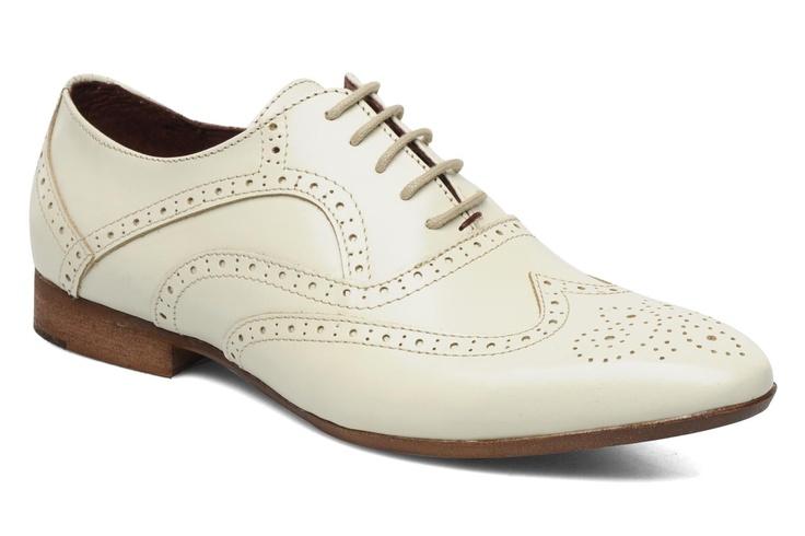 Coxx Xica witte schoenen voor de bruidegom