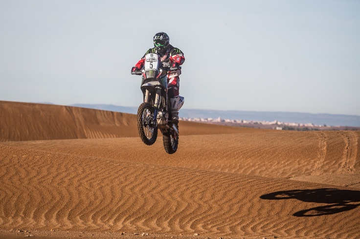 Paulo Gonçalves pushing hard in Maroc