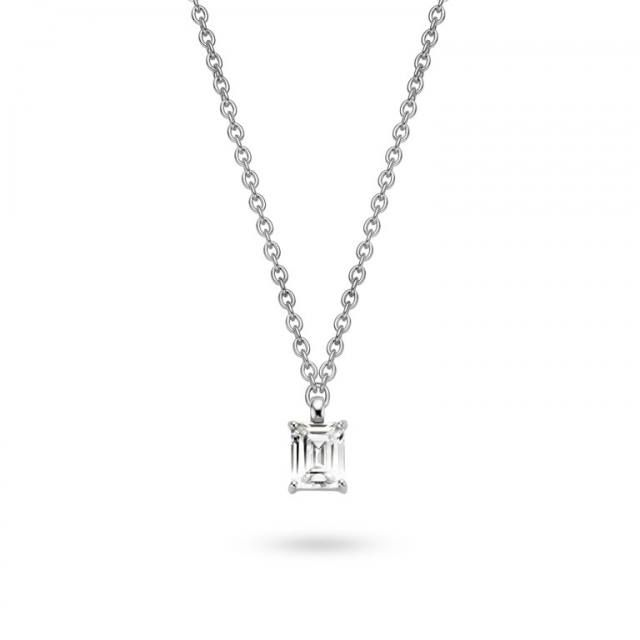 Nothing says elegance like a simple shining necklace.  Show off your ladylike sensibilites with this Ti Sento necklace.