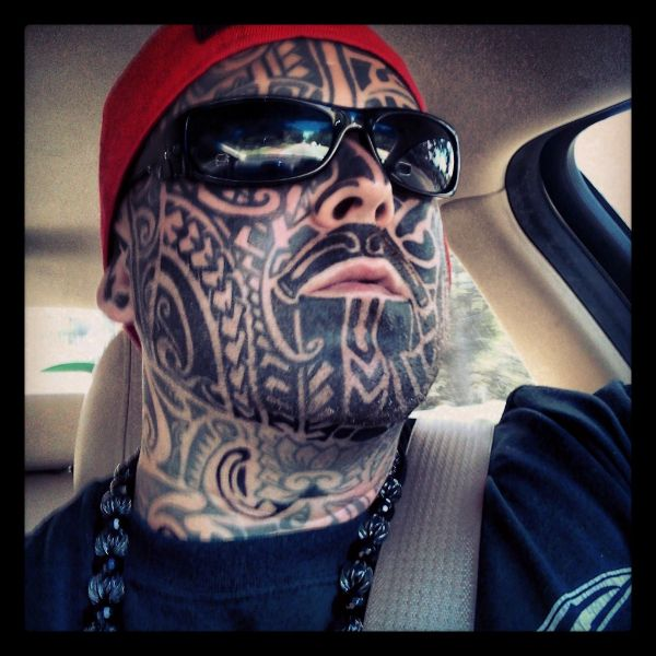 Hawaiian facial tattoo