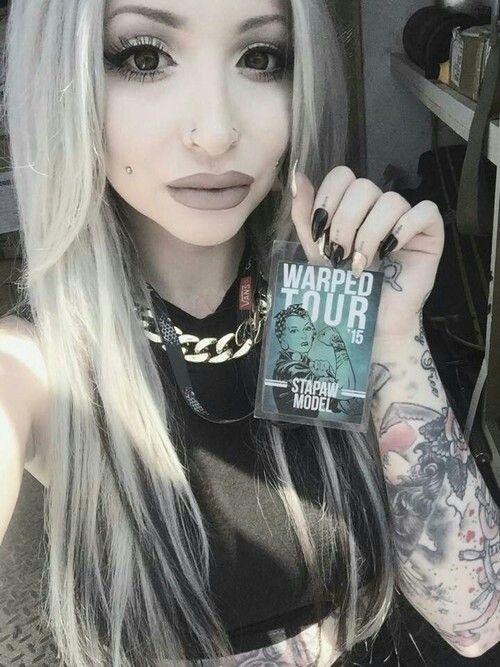 I love her makeup - Morgan Joyce