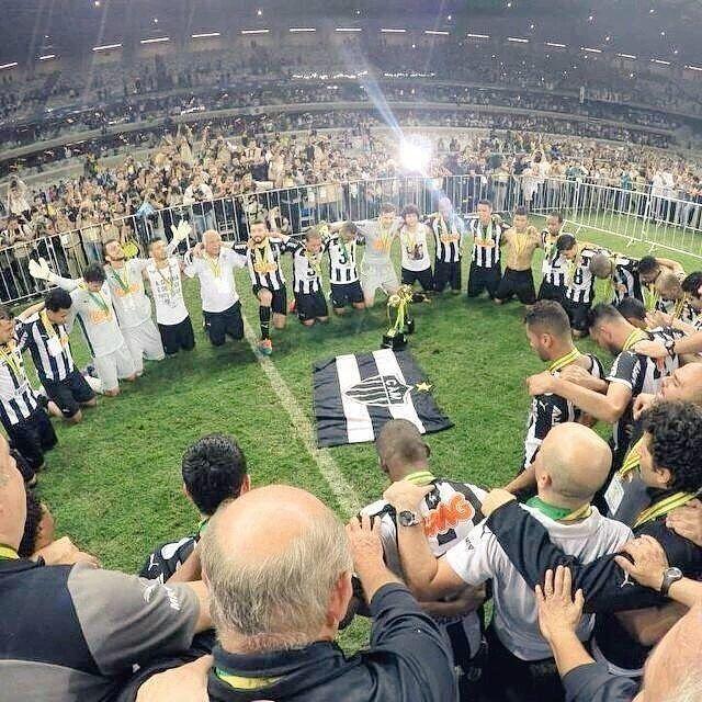 """""""Abençoado seja o Clube Atlético Mineiro!"""" _ VAMOS #GALO  _  Não sei de quem é a foto  _ Aqui é Galo  _ Bom Noite CAMbada  _  Marque seus amigos   _ #Galo #VamosGalo #AtleticoMineiro #pedalaqueelastremem #EuAcredito #MG #aquiégalo #YesWeCam #galodoido #Libertadores2016  #Atleticomg  #Galofortevingador #GaloNaLibertadores #horto #independencia #Caldeiraodogalo _ SIGAM:  @galoforte13   @vamugalo_   @instatleticanas   @galoedits  by noticiadogalo"""