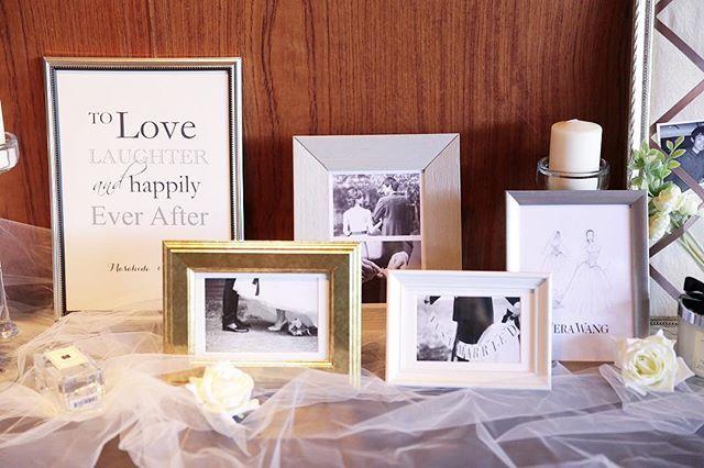 ♡ ウェルカムスペース/中 . 中央には前撮りの写真を フレームに入れて置きました . まとまりを出したくて全部モノクロに . . #卒花#プレ花嫁#プレ花嫁卒業#結婚式#結婚式準備#ウェディングレポ#結婚式当日#結婚式写真#ウェルカムスペース#jomalone#ジョーマローン#フォトフレーム#キャンドルホルダー#キャンドル#IKEA#イケア#リボンボード#ペルメル#チュール#weddingtbt