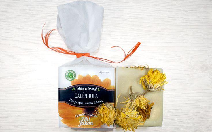 Jabón artesanal de caléndula. Ideal para pieles sensibles. Calmante.