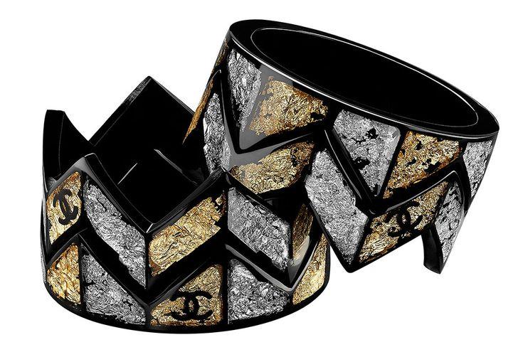 Chanel-Cruise-2016-Crown-Cuffs