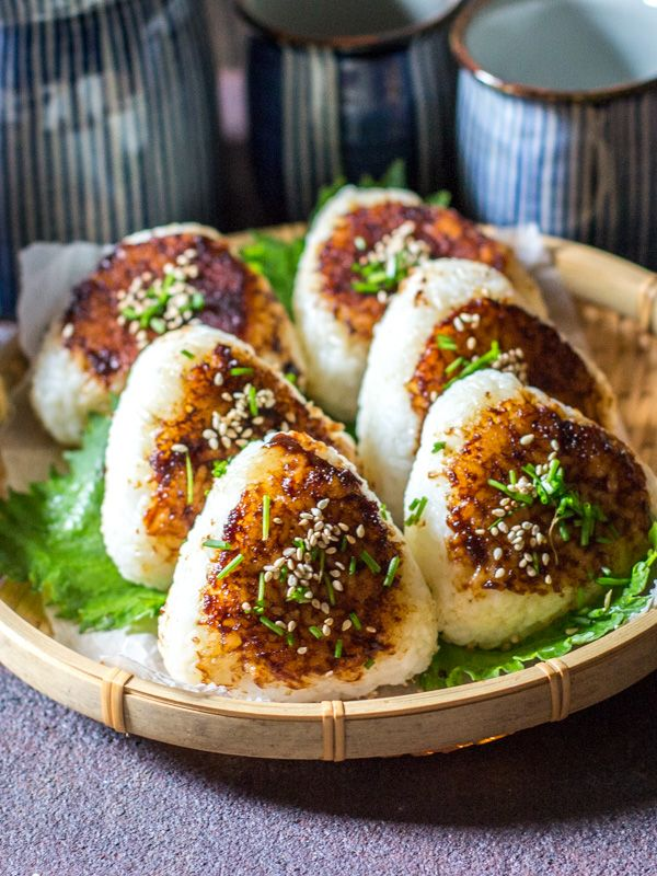 Miso Butter Yaki Onigiri with Shaved Shiso, Sesame Seed & Chives | [chopstickchronicles]