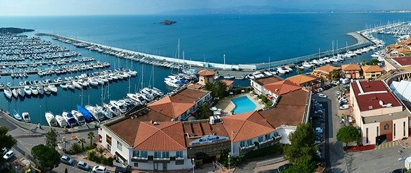 31 best ville saint raphael france var images on pinterest st raphael vacation and provence - Restaurants port santa lucia saint raphael ...