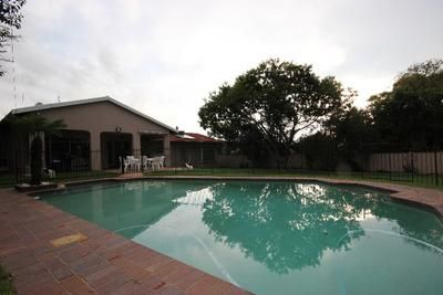 On Show 3 April 2pm to 4:30pm - Asking R2,999,000 - Rare Family Home in the heart of Sunninghiil - This family home comprises 3 bedrooms, 2 bathrooms (MES), guest loo, study, lounge with fireplace, dining room, family room and kitchen with space for 3 under-counter appliances. The en-suit bathroom has a toilet, basin and shower and the second bathroom has a toilet, basin and bath. This home has 2 geysers which are solar heated, domestic accommodation and much more.