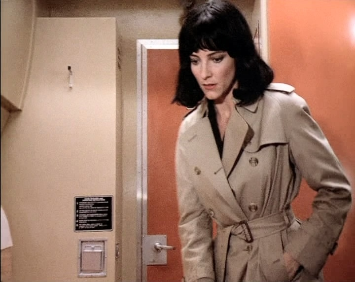 Madolyn Smith Osborn as Tracy Whitney in If Tomorrow Comes 03