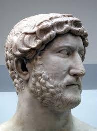 El  cabello  largo era  habitual  en  los  hobres, la moda de la  barba se inicio   en  las  clases  altas  y  pronto  lo  copiaron  los  hombres de los  estamentos