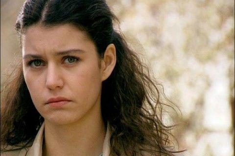 Beren Saat es Fatmagül Ketenci  Su vida cambiará para siempre luego de una noche que querrá olvidar.