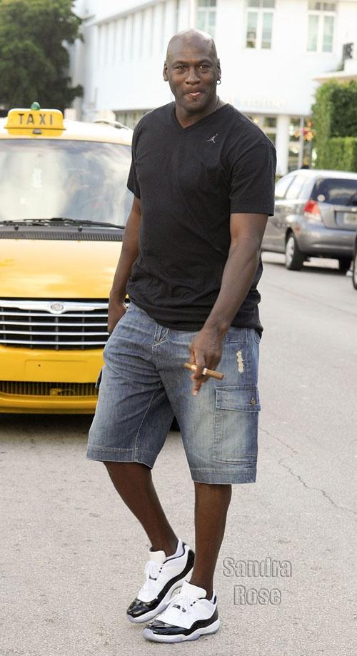 fa05f74748aa06 ... Michael Jordan wearing Air Jordan 11 Low ...