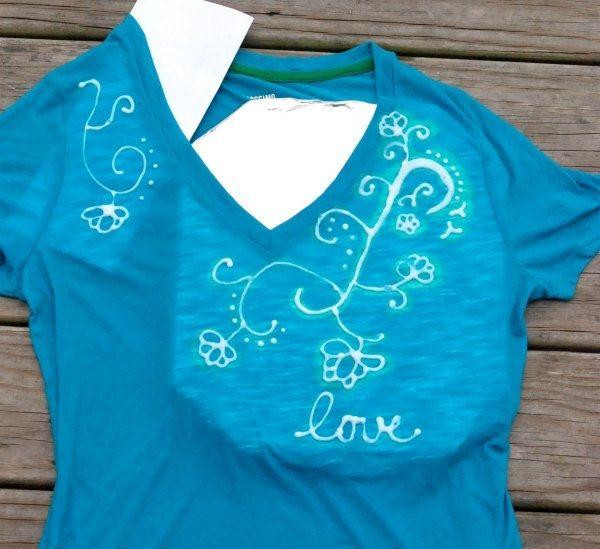 Verwenden Sie einen Clorox-Bleichstift, um fantastische Designs auf einem einfachen T-Shirt zu erstellen!   – Crafts to try