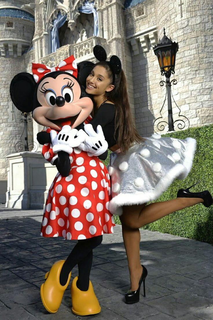 Ariana Grande – Performing at Disney Parks Christmas Parade in Orlando