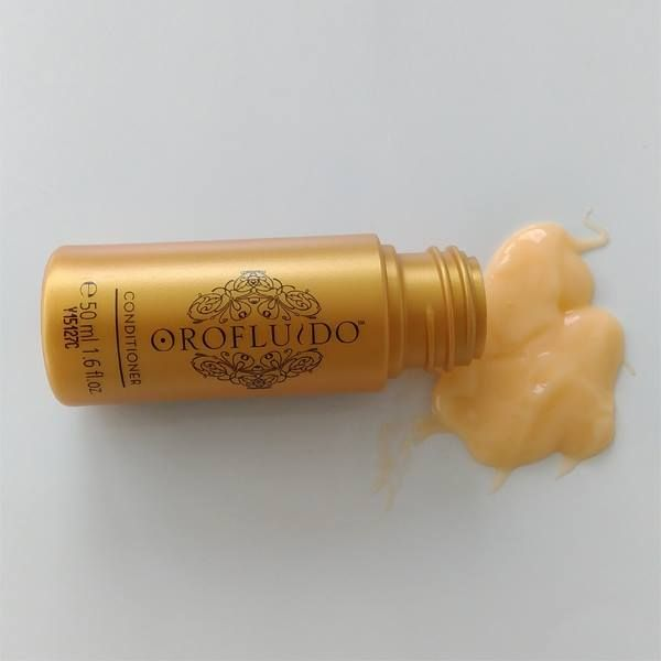 OROFLUIDO Conditioner is a daily conditioning rinse for all hair types. By using this Conditioning balm daily will nourish and hydrate any types of hair.