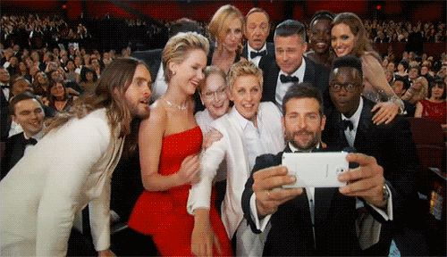 Top 5 moments oscars 2014: The #SuperSelfie.honestly AWESOME!!