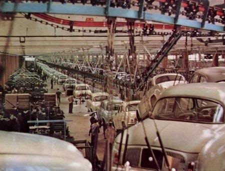 Renault Dauphine assembly line