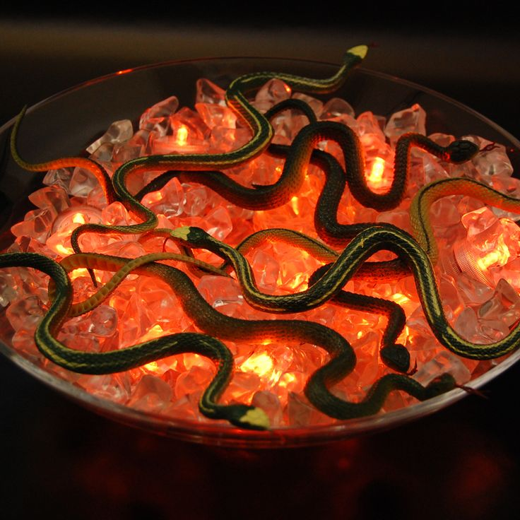scare your guests with this easy to make bucket of snakes orange submersible lights with cool halloween decorationshalloween lightingbattery