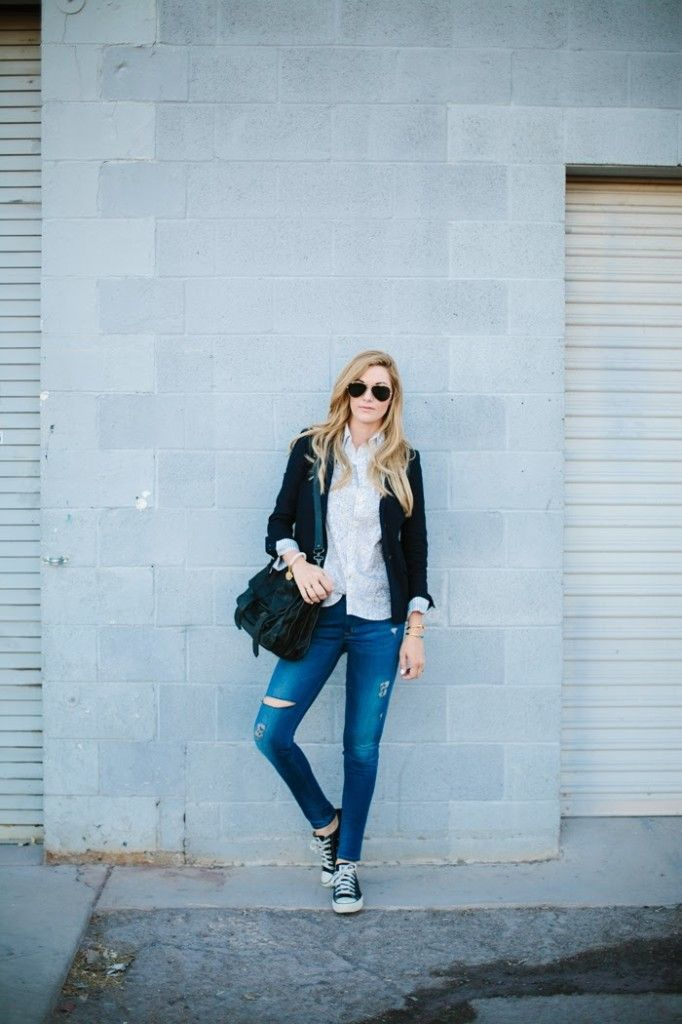 Adorable casual look with some great jeans and go to Converse!