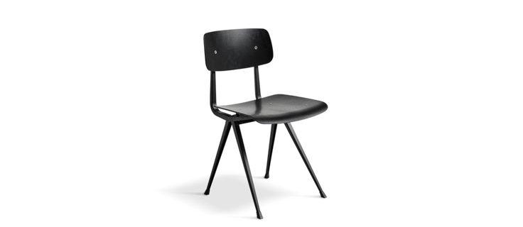 Stolen Result Chair, ritad av Friso Kramer och Wim Rietveld, återlanserades under Stockholm Furniture & Light Fair 2017 i ett samarbete mellan HAY och Ahrend. Ursprungligen tog formgivarna fram stolen under deras tid hos Ahrend på 50-talet. Många av möblerna från HAY har en tydlig koppling till den designeran, något som tveklöst kommer att göra Result Chair till en naturlig del av deras redan vackra sortiment.
