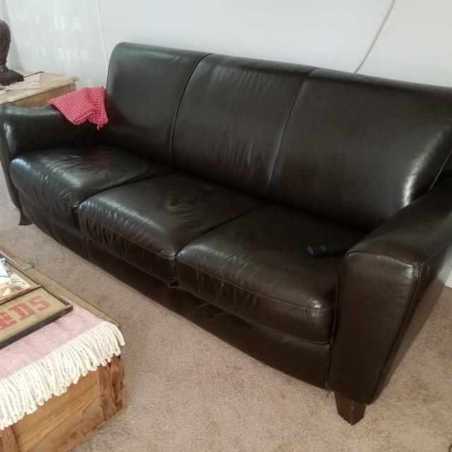 Natuzzi Italian Red Leather Sofas 3 Seater 2 Seater In Pristine Condition I Purchased Two Natuzzi Clyde Leather Electric Sofa Sets 4 Parts Did